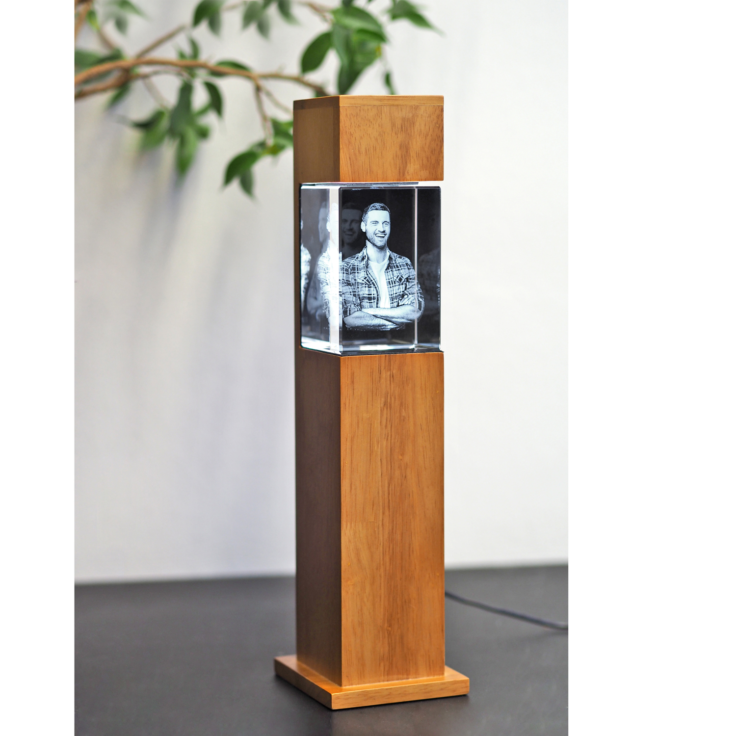 690201_stele_Rubberwood_S_90x60x60_hoch_mood